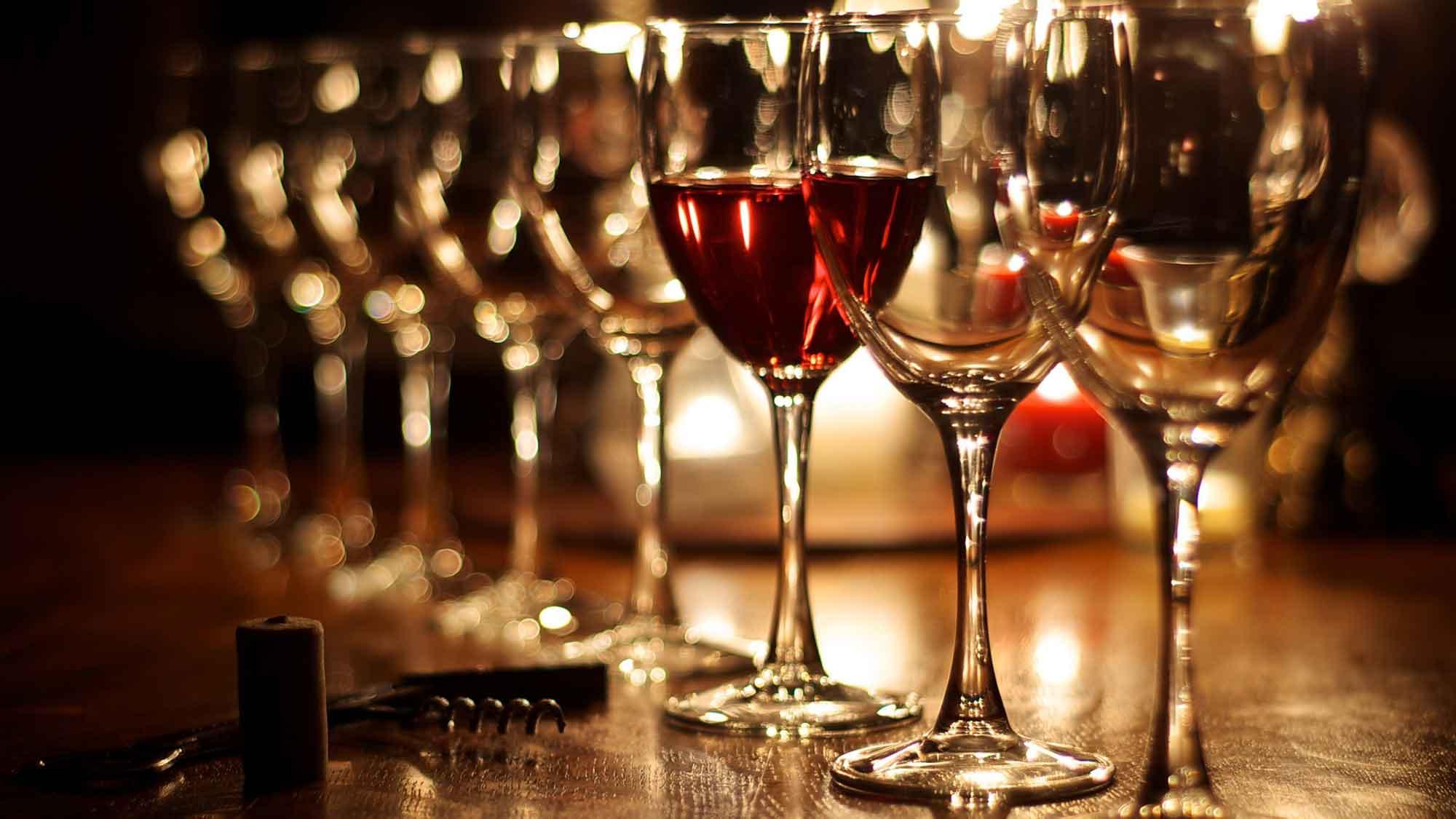 Wine Glasses ©zoomonby.com
